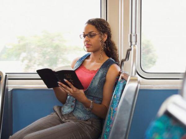 Bijbellezen in de bus: lekker rustig