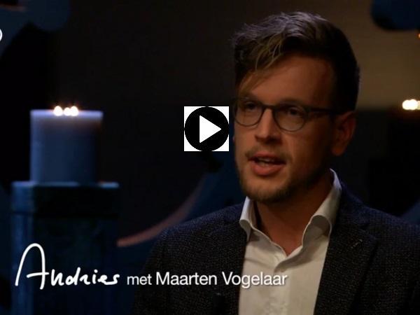 Andries Knevel interviewt pionier Maarten Vogelaar