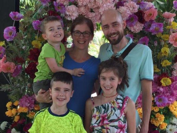de familie Mol deelt het evangelie