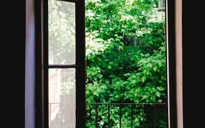ventileren: zet ramen en deuren open